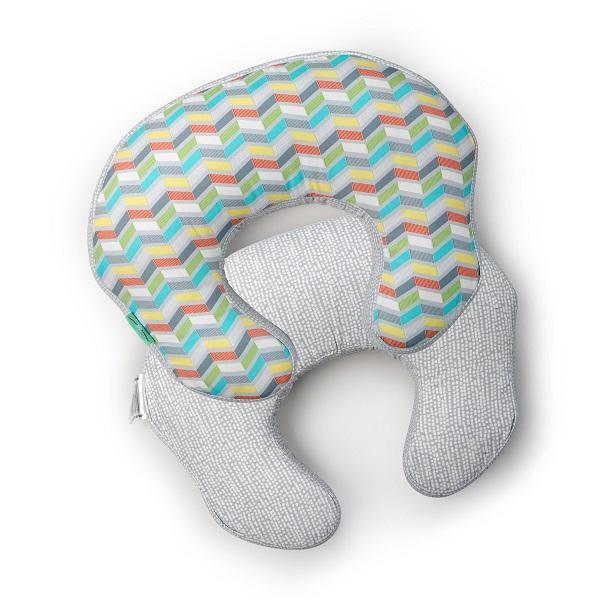 Bright Starts Comfort&Harmony Polštář na kojení MOMBO ™ Cheerful Chevron