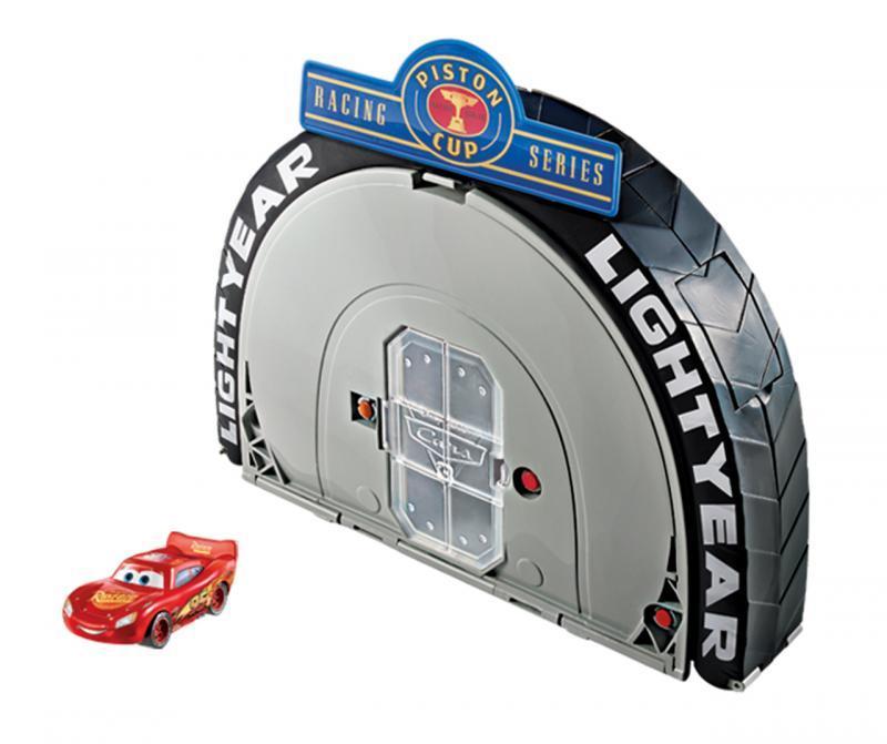 Mattel Cars Závodní set