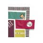 Extra velká hrací deka s originálními obrázky je vhodná k použití doma a díky voděodolné spodní straně i venku. Deku snadno složíte do tašky, ve které je dodávána.