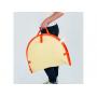 Lehká skládací přenosná postýlka má univerzální použití a je ideální na cestování s miminkem. Vhodná na spaní i jako hrací deka se zavěšenými odnímatelnými hračkami. Chrání miminko před sluncem, větrem a hmyzem.