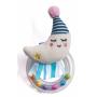 Chrastítko tvoří měkká plyšová hračka ve tvaru měsíčku a průhledný plastový kroužek naplněný barevnými korálky.