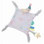 Mazlicí hračka s úchytem na dudlík je vhodná jako první hračka dítěte. Pomáhá rozvoji smyslů a emoční inteligence dítěte.