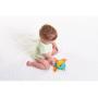 Hrací deka Tiny Love s aktivitami a unikátním posuvným středovým dílem, který umožňuje přizpůsobit hrazdu věku dítěte, hraní na bříšku apod.