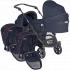 V ceně kočárku je celohliníkový 4-kolový tandemový podvozek Delta-4T s předními otočnými koly, komfortní hluboké lůžko Figo (2 ks), sportovní odnímatelná a otočná plně polohovatelná sedačka Vario se stříškou, letním nánožníkem a výměnným ColorSetem (2 ks).