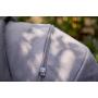 V ceně kočárku je podvozek s nákupním boxem, sportovní sedačka a hluboká korba, moskytiéra a pláštěnka (na hlubokou korbu i na sportovní sedačku), nánožník s funkcí fusaku, taška + autosedačka Baby Design Leo + adaptéry pro připevnění autosedačky na podvozek kočárku. NOVINKA pro kolekci 2018 - kočárek NEXT SILVER. Výjimečná tkanina odolná proti vodě.
