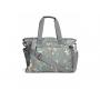 Elegantní přebalovací taška Mamas & Papas nabízí přehledně organizovaný vnitřní prostor pro uložení všech nezbytností pro procházky a výlety s dítětem.