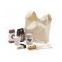 Textilní nákupní taška s nákupem v dřevěném provedení.