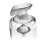 Designový koš Sangenic Tec na jednorázové pleny umožňuje bezdotykové zabalení použitých plen. Součástí koše je výměnná kazeta s antibakteriální fólií, jejíž antibakteriální složka zničí 99% bakterií.