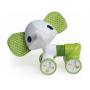 Roztomilá hračka s natahovacím harmonikovým tělem a otočnými kolečky.