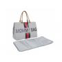 Neuvěřitelně prostorná přebalovací taška s přebalovací podložkou.