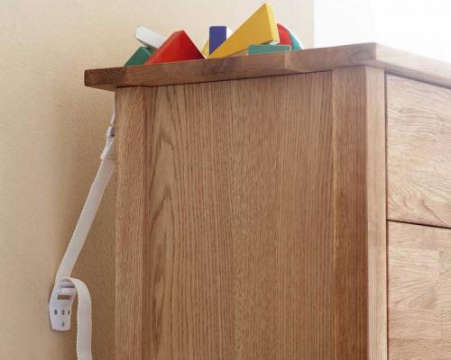 BabyDan bezpečnostní pás proti překlopení nábytku