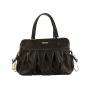 Sofistikovaná přebalovací taška v podobě elegantní kabelky Berlin je vhodná pro formální a slavnostní příležitosti, ale i na každodenní používání při procházkách s dítětem.