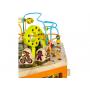 Unikátní dřevěné hrací centrum s množstvím pohyblivých aktivit.Díky své velikosti zabaví současně i několik dětí.
