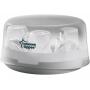 Lehký, kompaktní sterilizátor Tommee Tippee Closer to Nature umožňuje snadnou a rychlou sterilizaci až 4 kojeneckých lahví a doplňků během cca 4-8 minut (dle příkonu mikrovlnky). Obsah zavřeného sterilizátoru zůstává sterilní po dobu 24 hodin. Kompaktní velikost umožňuje jeho použití i na cestách.
